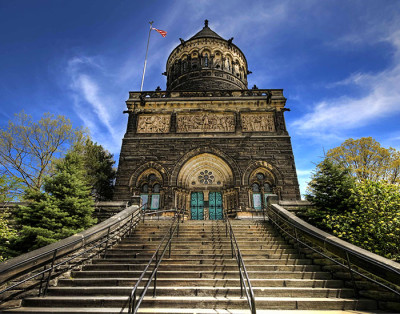 Architecture tour unearths character, history at Lake View Cemetery