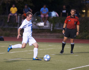 Men fall in second half to No. 9 Brandeis 2-0