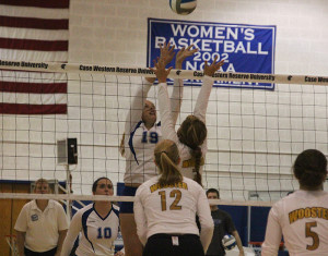 Volleyball tops Brandeis, Rochester falls to No. 1 Washington