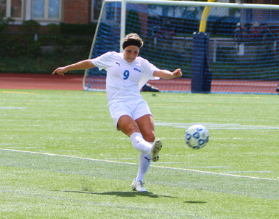 Women's soccer falls to No. 1 Eagles, No. 21 Tartans