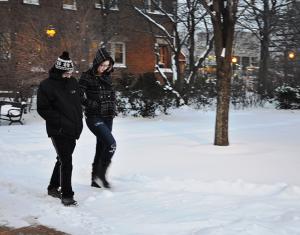 Arctic wind, snow disrupt campus