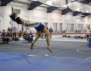 Women's track tops Carnegie Mellon, but Tartan men prove to be too much