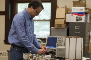 Physicist to design new MRI scanner, nets $600,000 grant