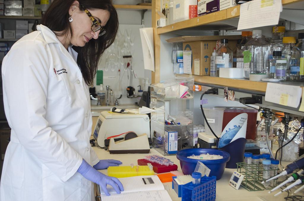 Case+Western+Reserve+University+School+of+Medicine+Dermatology+Professor+Nicole+Ward+works+in+her+lab.+Ward+holds+a+doctorate+in+neuroscience%2C+but+her+research+interests+lie+in+vascular+biology.