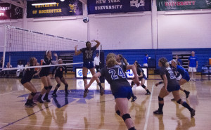 Spartan Volleyball maintains winning record after day one of CMU Tournament