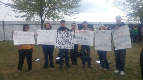 Students protest at Hillary Clinton campaign event