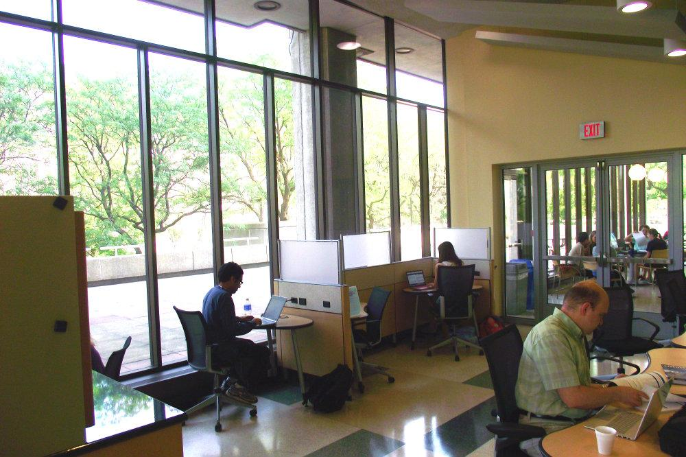 The SAGES Fellows' Office Area provides students a place to meet their professors and study