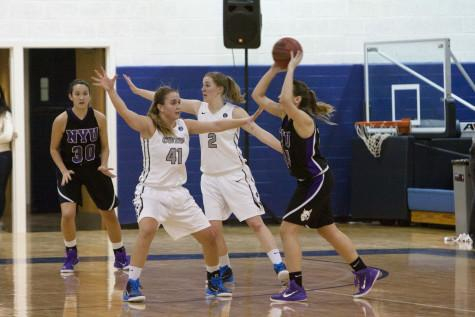 Women's basketball struggles in back to back tournaments