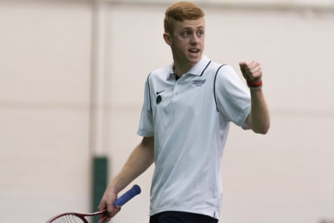 Men's tennis sweeps in emphatic fashion
