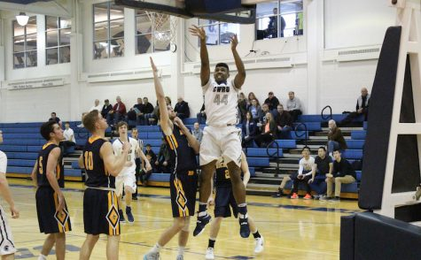 Men's basketball falls just short