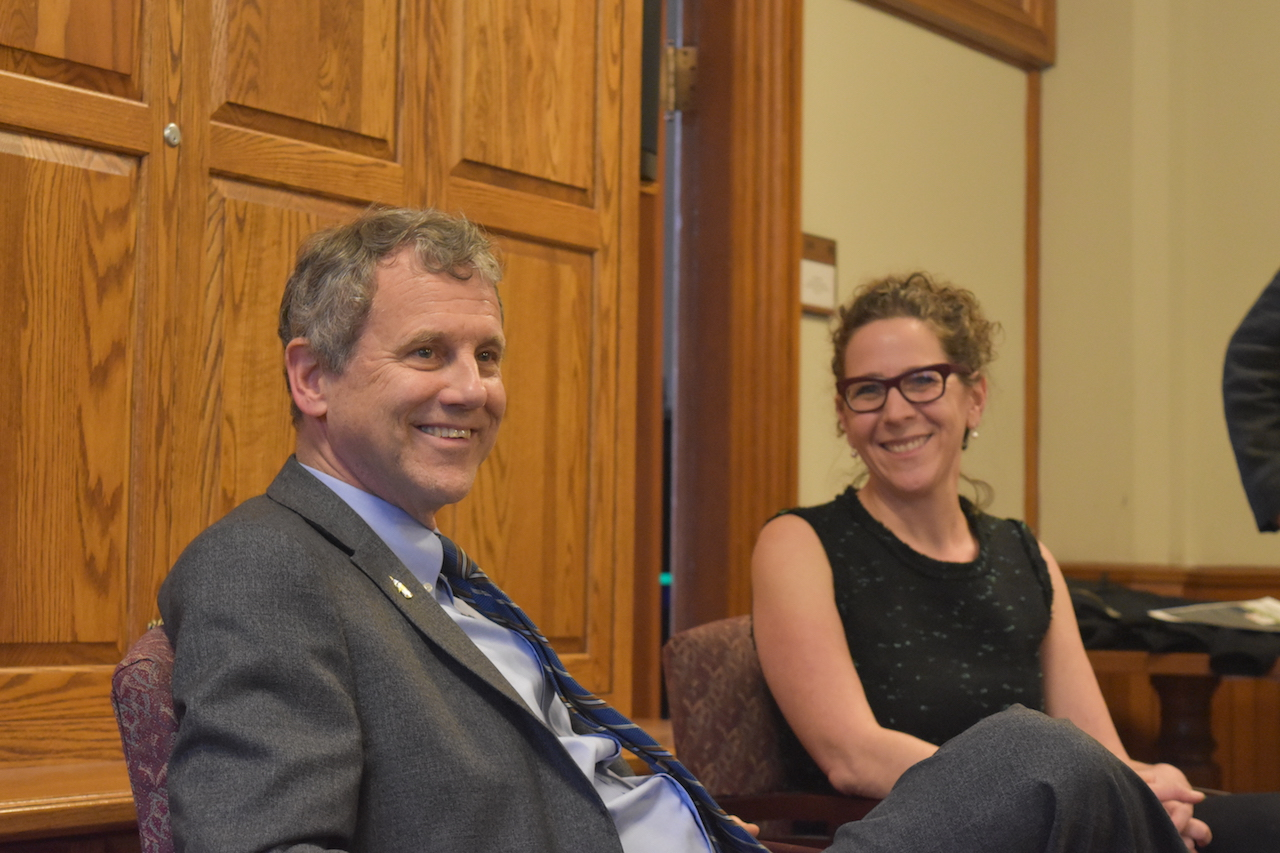 On Monday, Jan. 20, Senator Sherrod Brown visited CWRU to share his experince as a politician and a college student majoring in humanities. Brown not only talked about current political enviornment but also encouraged students to major in humanties.