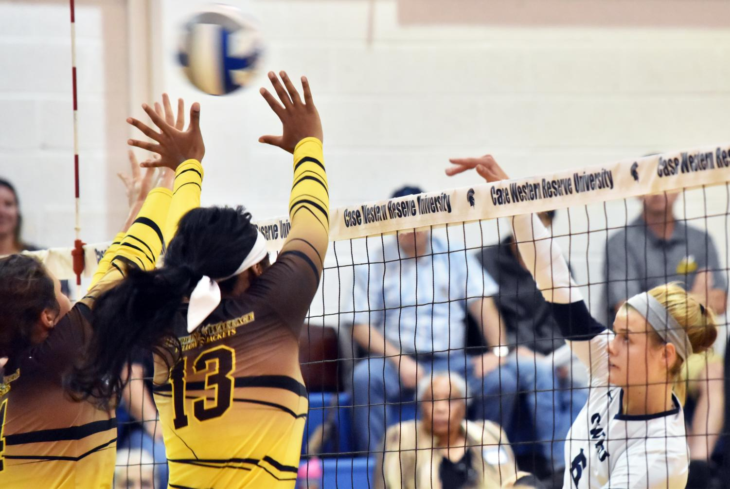 Splitting their final four games, the volleyball team finished fifth in the UAA.