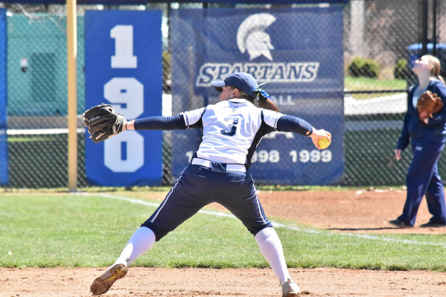 The softball team bounced back from a loss to win three straight games against New York University, bringing the team's record to 20-7.