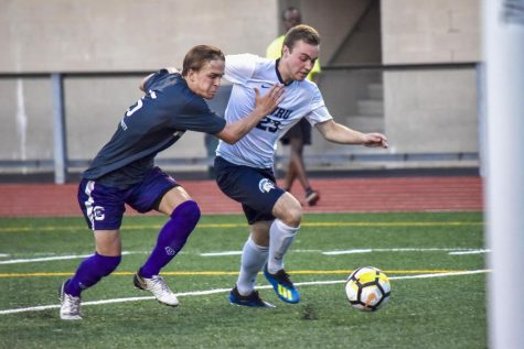 Men's soccer shines during Senior Weekend, upsets top-ranked Chicago