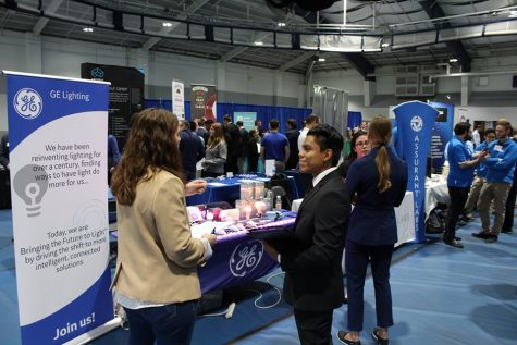 Students come prepared to Career Fair