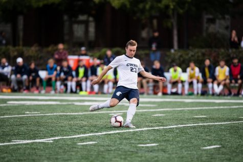Spartan men's soccer splits series in summer heat