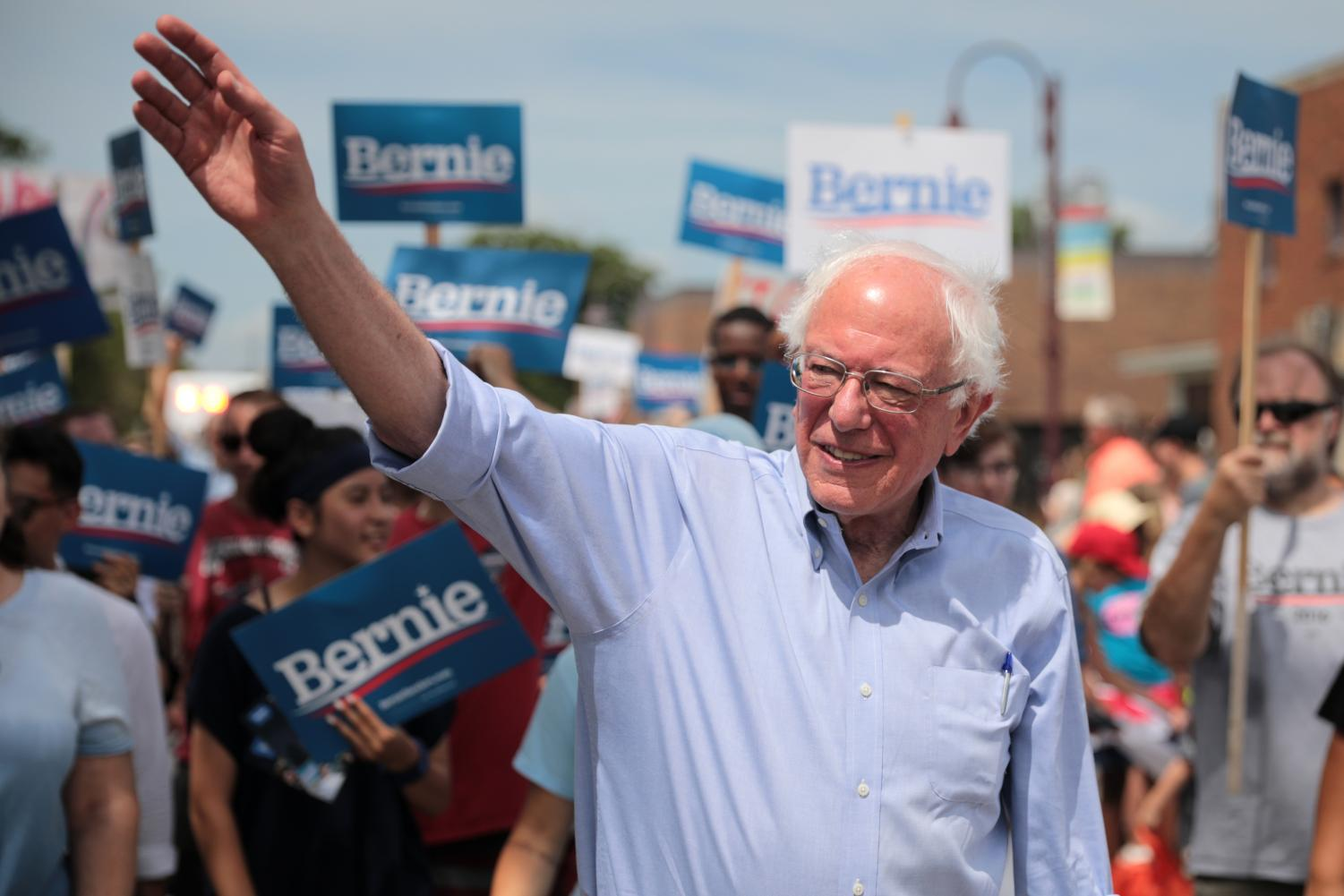 Bernie Sanders remains a strong candidate in the presidental race, despite negative media coverage.