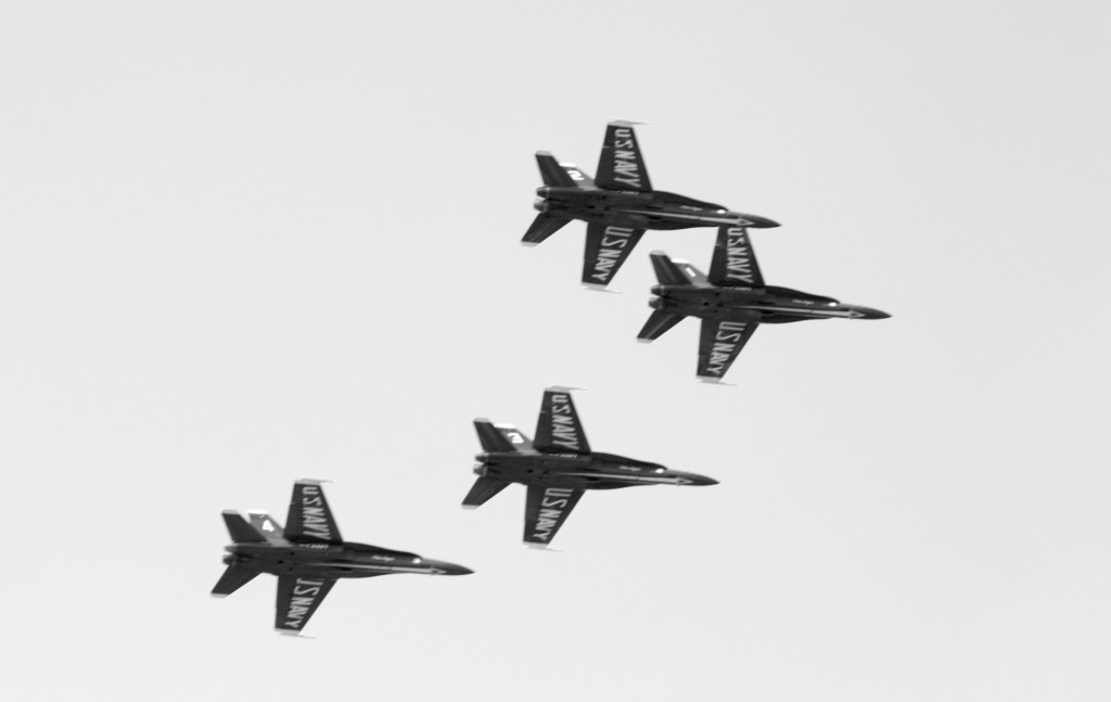 Cleveland Air Show dazzles, deafens city despite inclement weather