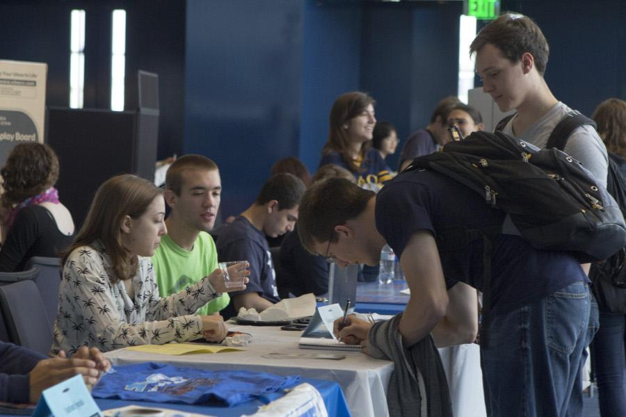 Students sign up for community service opportunities at CCEL's annual Community Service Fair on Sept. 12.