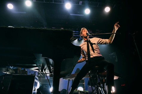 Andrew McMahon in the Wilderness will play in a House of Blues lineup featuring indie artists.