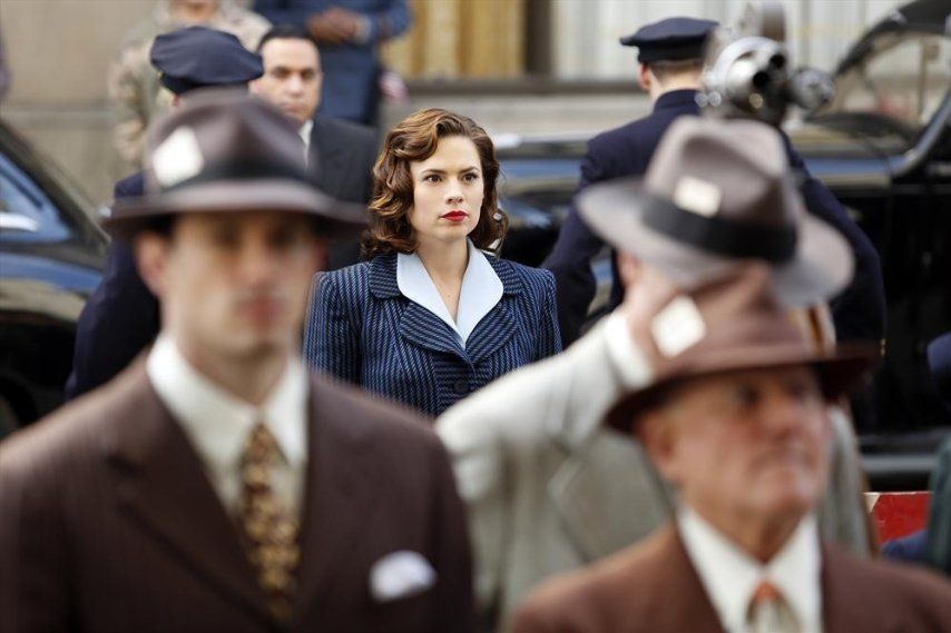 In+the+new+season+of+%22Agent+Carter%2C%22+Hayley+Atwell+plays+a+no-nonsense+secret+agent+in+postwar+Los+Angeles.
