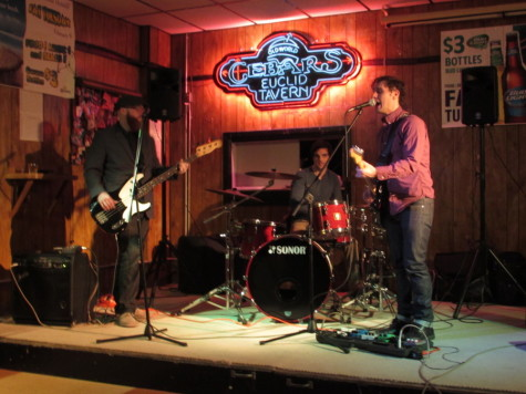 Indie band Bro Dylan performed a three-hour set at Cebars Euclid Tavern, where they played original music off of their upcoming album and a few covers of popular songs. Singer Alex Zinni graduated from CWRU in 2014.