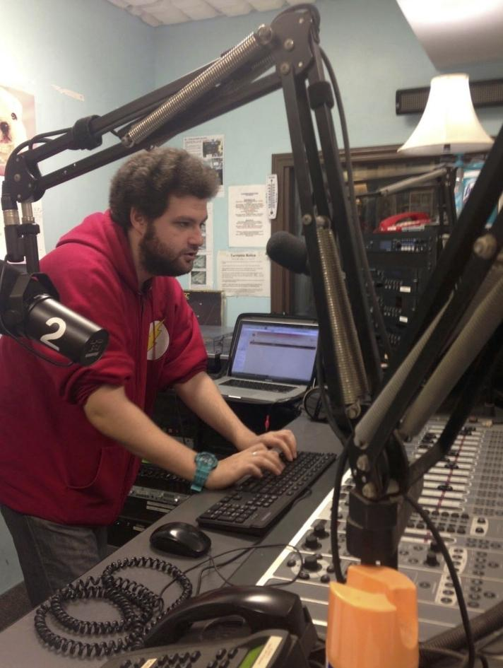 Perry Wolfman hosts an electronic show featuring guests from CIM.