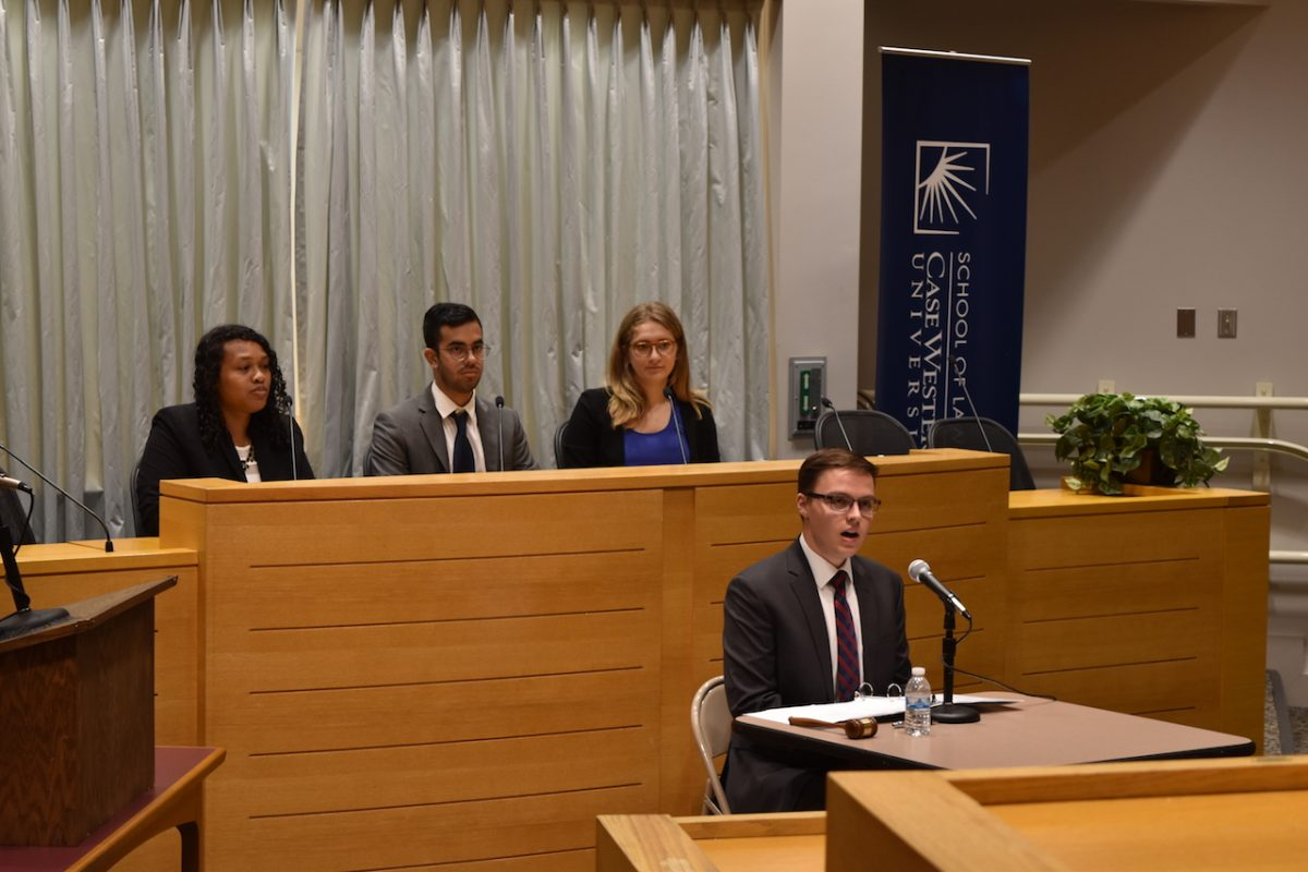 In+a+Constitution+Day+discussion%2C+panelists+debated+the+topic+of+free+speech+on+college+campuses.+The+event+was+student+run+and+featured+professors+from+neighboring+universities.