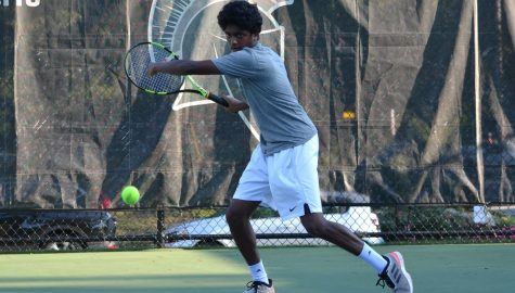 Men's tennis beats ranked teams, extends winning streak