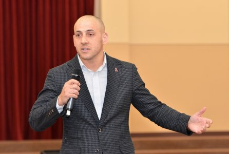 Kevin Hines shared his story to provide others hope.