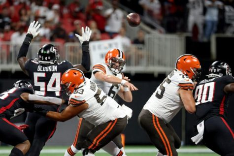 Browns quarterback Baker Mayfield (6) throws a pass in the beginning of the game against the Atlanta Falcons.